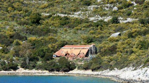 Yarımadadaki villa büyük tepki çekmişti… Sonunda yıkıldı