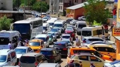 88 bin nüfuslu kente 90 bin araç giriş yaptı