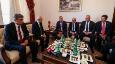 CHP lideri Kılıçdaroğlu: Halk belediye başkanlarını umut olarak görüyor