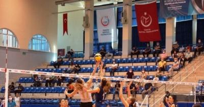 Sultanlar Ligi: Aydın B.B.: 3 - PTT: 1